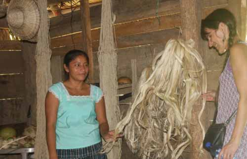 Handmade fibres for making hammocks and bags