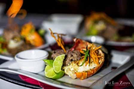Dinner plate Lobster Ian Jennifer Belize Wedding Chabil Mar Placencia