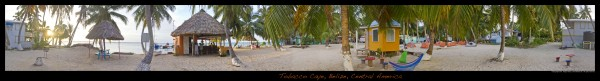 360 panorama of Tobacco Caye from the middle of the island