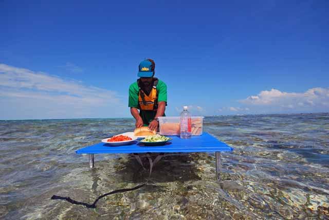 belize-reef-lunch-WEBB