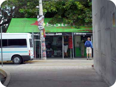 puerto morelos bus stop