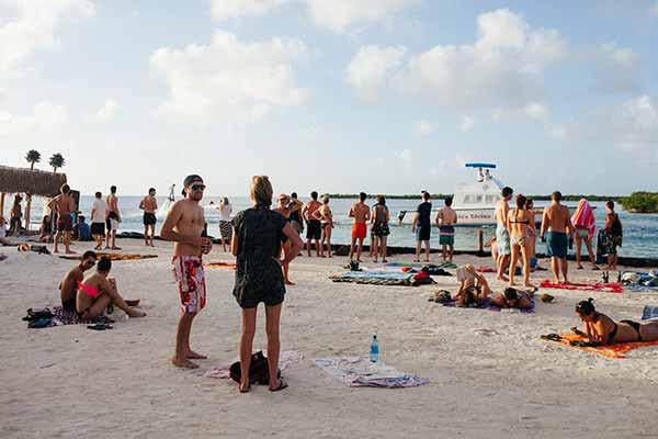 the split 3 Finding Paradise on Caye Caulker