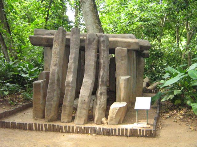 Tumba_Olmeca https-::upload.wikimedia.org