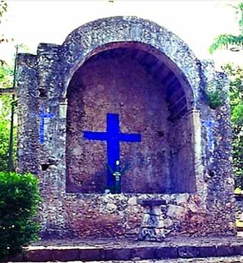 Reconstructed shrine of the Speaking Cross Felipe Carrillo Puerto, Quintana Roo (Wikimedia)
