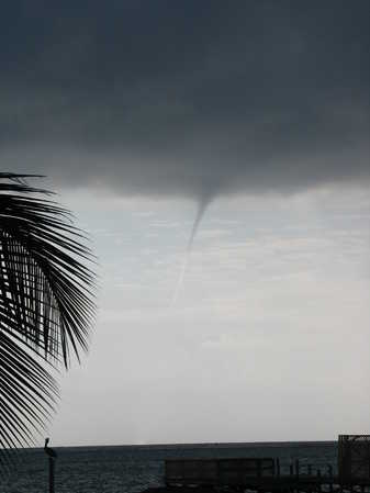 Water Spout 02-22-09 840am 003.JPG