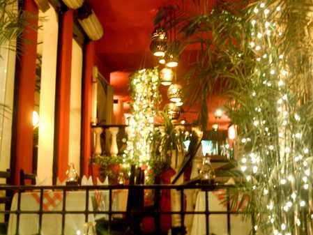 MAIN DINING AREA & BAR ON MEZZININE