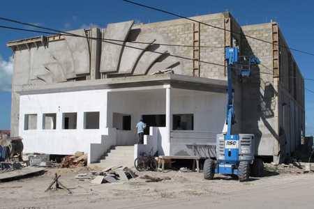 New_theater_under_construction_at_Reef_Village.jpg