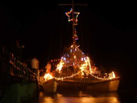 Annual_San_Pedro_Lighted_boat_parade.jpg