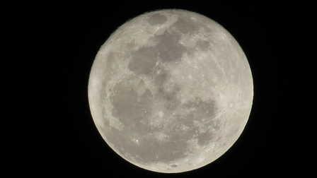 Tonight's_Moon_Over_Ambergris..jpg