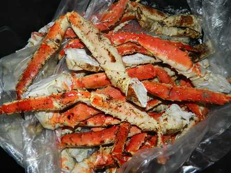Alaskan_King_Crab_Mothers_Day_Special_from_El_Divino_Restaurant.jpg