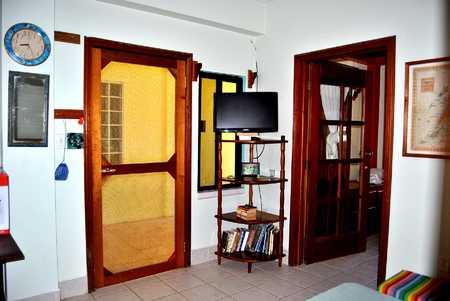 8 APT SCREEN DOOR - TV - BR DOOR DSC_0074.jpg