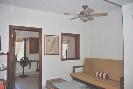 10 BR DOOR & PASS THRU & FOOTON DSC_0075.jpg