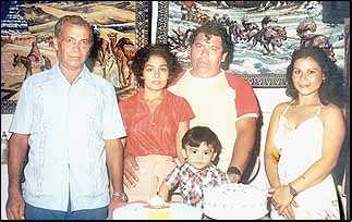 1975 Paisano Family.jpg