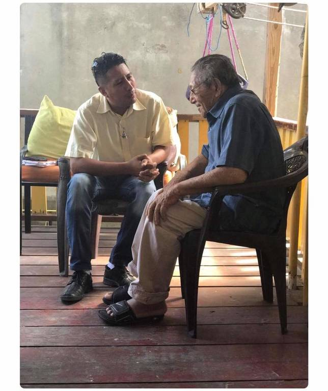 Jorge Aldana chatting with former Mayor Don Beto in June.