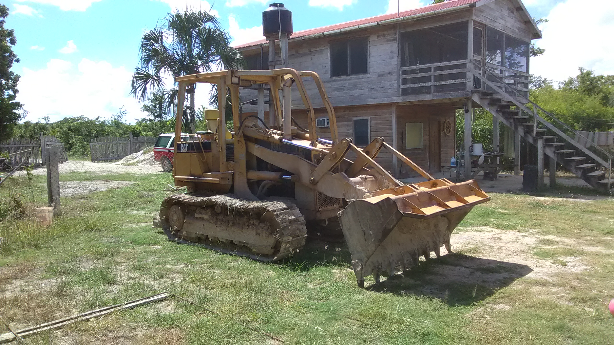 CONSTRUCTION MACHINERY  LOADER, DOZER, FELBH, MIXER - Ambergris Caye