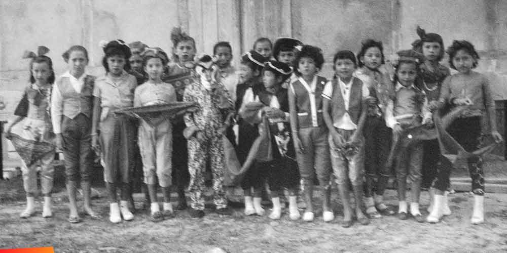 A comparsa, Los Torreros for Carnaval, 1960's :: From left to right: Iraida Staines, Angelica Graniel, Concha Dawson, Cruzita Nu�ez,Oni Marin, Nieve and Melita Guerrero, Elizabeth Sabido, Victoria Gomez, Helen Paz, Marjeli Heredia, Gloria Staines, and Eva Montejo