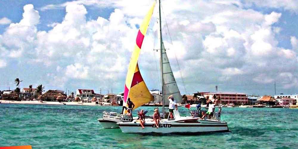 Sailing :: El Gato catamaran