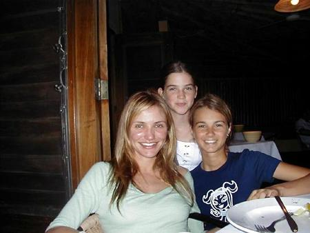 Movie Star Cameron Diaz Vacations In Ambergris Caye Photographs From Belize